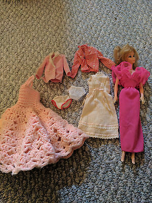 Vintage ballerina Barbie with clothes