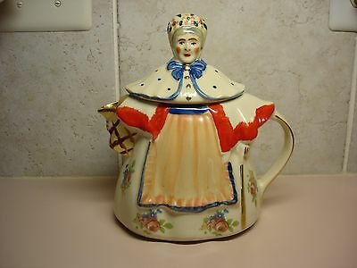 Shawnee Pottery Granny Ann Teapot With Gold Trim And Flowered Decals