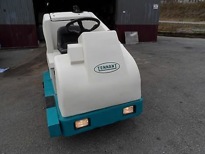 Tennant 7200 with TROJAN  batteries disc brush TOTALLY SERVICED