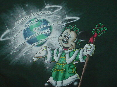Disney Mickey Mouse green sweatshirt  Epcot Holidays Around The World Med youth