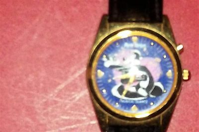 Musical Pepe Le Pew & Penelope in Love Armitron Watch Looney Toons Valentines