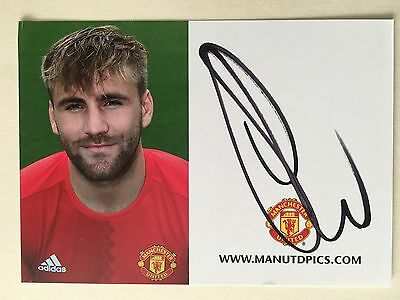 "manchester united Luke Shaw signed 6"" x 4"" Club Card"