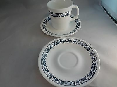 Corelle Old Towne Blue Onion 1 Cup & 2 Saucers