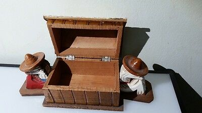 vtg hand carved //mexican sombreros figures house trinket box