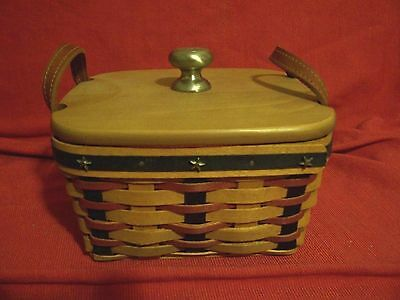 LONGABERGER 2004 PROUDLY AMERICAN Medium BERRY BASKET Old Glory Lid Liner FLAG