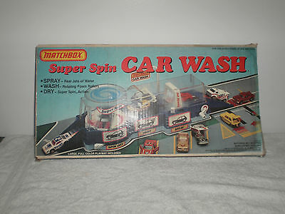 Vintage 1983 Matchbox Super Spin Car Wash With 19 Vintage Matchbox Cars ! - Look