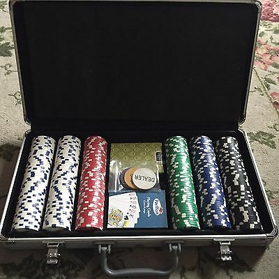 300 Piece Clay Poker Chip Set with Aluminum Case
