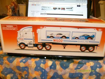1998 Wilco Gasoline Toy truck and Racers