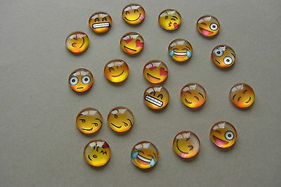 20 x MIXED EMOJI FACES ROUND DOME SEAL GLASS FLATBACK CABOCHONS 12mm