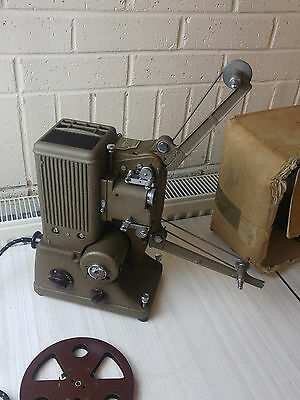 Vintage SPECTO 500 XC Projector with case - No bulb