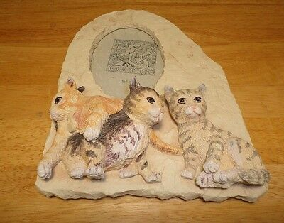 """3D Kittens Ceramic Photo Frame With 3 Kittens Holds 3.5""""x 5"""" Photo, 9"""" Tall"""
