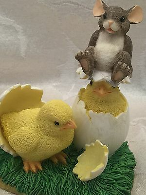 Charming Tails What's Hatchin? Easter Figurine Hatching Chicks Mouse Fitz Floyd