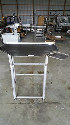 TRIANGLE SLANTED STAINLESS STEEL TABLE (Item7151)