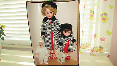 Rare Vintage Dee Cee Our Lovable Family Dolls Cindy, Penny, Baby & Dog W/ Box
