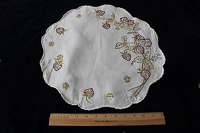 """Antique Society Silk Hand Emb Strawberries On 15"""" Linen Round c1910~French Knots"""