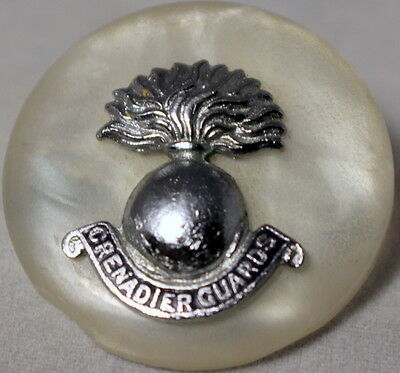 Ww1 Sweetheart Pin Badge - Grenadier Guards -  Mother Of Pearl