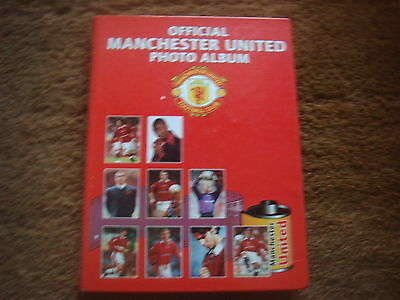 Official Manchester United Photo Album - Contains 99 Photo's