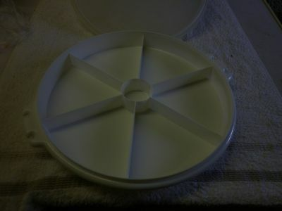 Tupperware Lazy Susan with Lid
