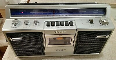 Vintage Sony CFS-43 FM/AM Stereo Cassette-Corder Boombox