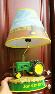 Authentic Animated John Deere Tractor Table Lamp W/moving Wheels & Motor Sounds