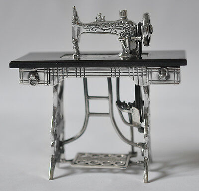 925 Sterling Silver miniature Dolls House Sewing Machine Medusa Oro