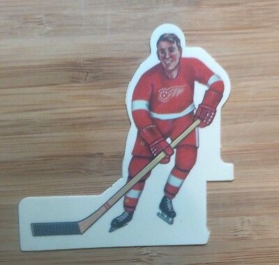 Vintage 1972 Coleco Table Hockey Player- Banana Blade- Detroit Red Wings