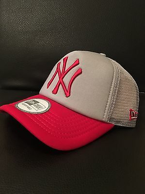 New York Yankees Trucker Adjustable SnapBack Baseball Cap By New Era Grey/Red