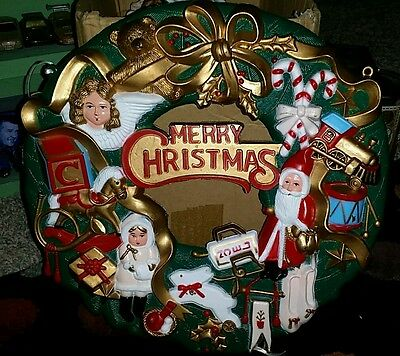 "Vtg Plastic Mold ""Merry Christmas"" Wreath"
