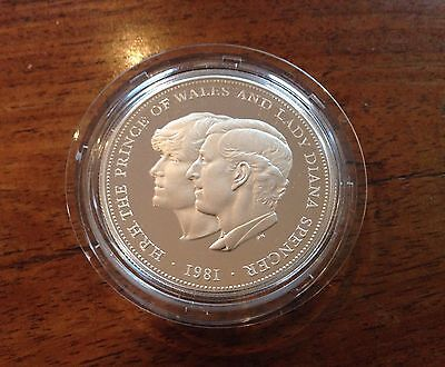 1981 Royal Mint Silver Proof Crown Coin Charles and Dianna Royal Wedding