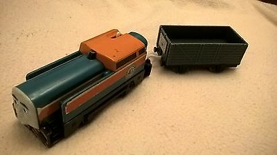Thomas Trackmaster Den Train with truck, battery operated