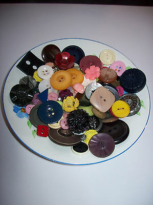 100 Vintage Buttons As Seen Hand Painted Vintage Saucer To Display / Gift?  Vgc
