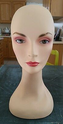 "Vintage 16 3/4"" Fiberglass Mannequin Head Wigs Hats Scarves Display EUC"