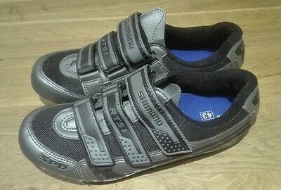 Shimano RT51 cycle shoes. Size 43.