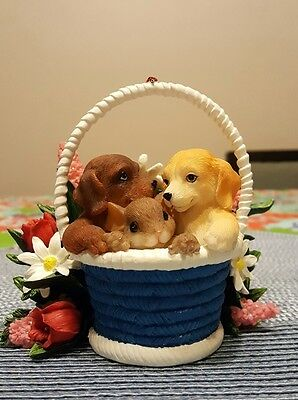 Charming Tails Figurine Something Special Between Friends 89/352 Mouse & Puppies