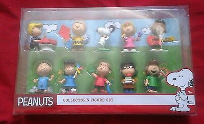 Peanuts Gang Collector's Figure Set Charlie Brown Snoopy Free Shipping For You