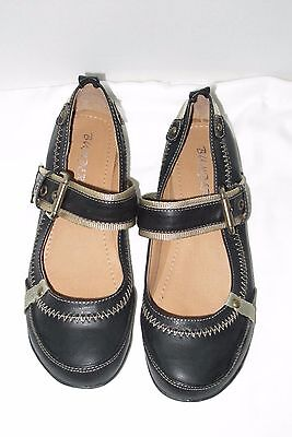 """""""Bumper"""" ladies sz 9 shoes LOAFER with strap BLACK Casual Womens Shoe"""