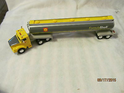 Shell 1994 Tractor Trailer Made Of Plastic