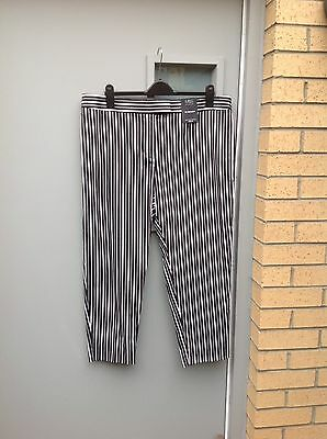 Marks And Spencer Cropped Trousers Size 20