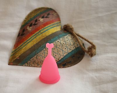Eco Reusable Silicone Soft Menstrual Cup Diva Lunette Style Size SMALL