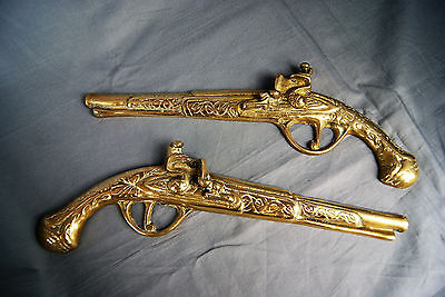 Vintage Pair Of 20 cm Brass Gun Wall Hanging Home Decor Dualling Pistols