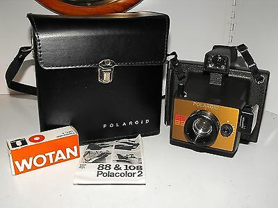 "Polaroid EE33 Film Camera & Case Great Condition Looking As New  ""L@@k"""
