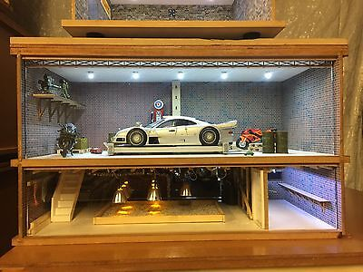 1:18 1/18 1-18 118 Scale Mercedes Race Complete Diorama Garage With Tools & Cars