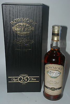 WHISKY BOWMORE 25 YEARS OLD IN BOX RARE ISLAY SINGLE MALT 70cl.