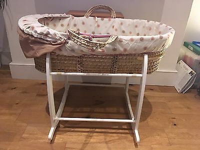 claire de lune Moses basket And Rocking Stand