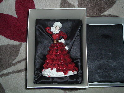 """Royal Doulton """"Christmas Day 2009"""" HN5254 Luxury lined box , mint condition,Rare"""