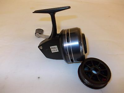 VINTAGE ABU 506M CLOSED FACE REEL + SPARE SPOOL --- In good Used condition.
