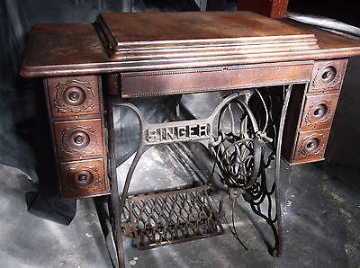 1892 Singer Treadle Sewing Machine. Model #3204564