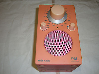 RADIO DE TABLE TIVOLI AUDIO PAL Henry Kloss TUNER AM / FM ANALOGIQUE Rose