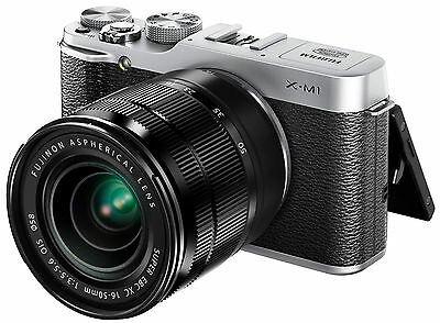 Fujifilm X series X-M1 16,3 MP Digitalkamera - Silber (Kit mit XC 16-50mm...