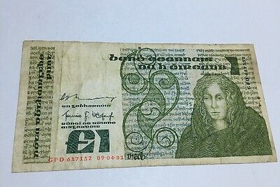 Central Bank Of Ireland £1 Banknote 1981